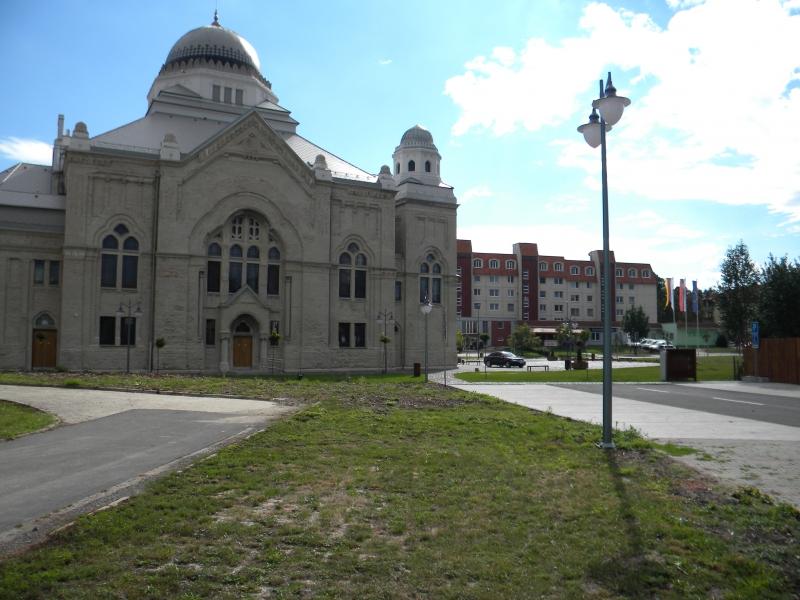 synagoga-lucenec-3